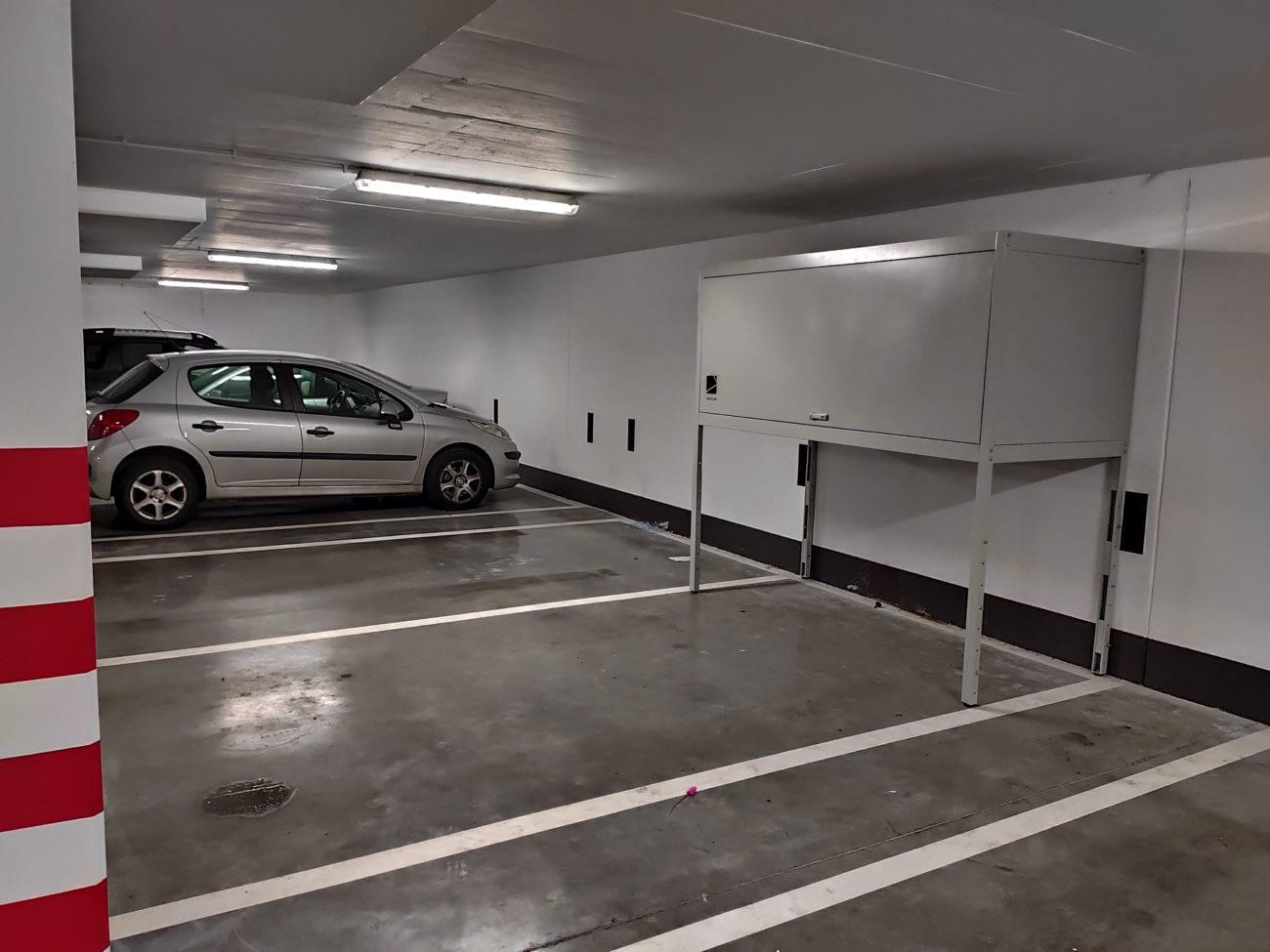 boks garażowy w Radwanicach